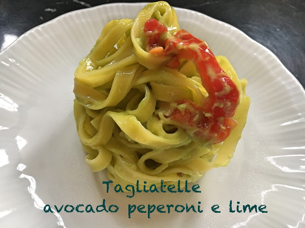 tagliatelle avocado peperoni e lime