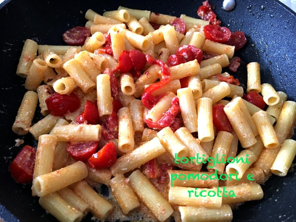 tortiglioni pomodori e ricotta