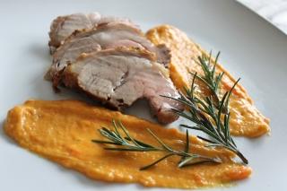 arrosto-di-vitello-con-crema-di-carote-e-curcuma