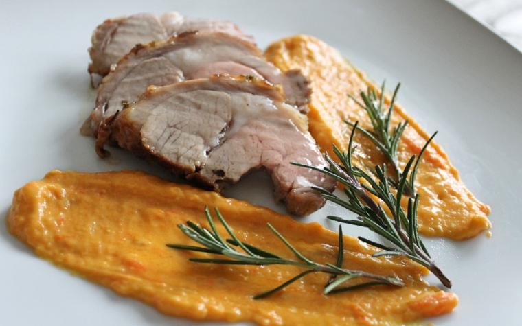 Arrosto di vitello con crema di carote e curcuma