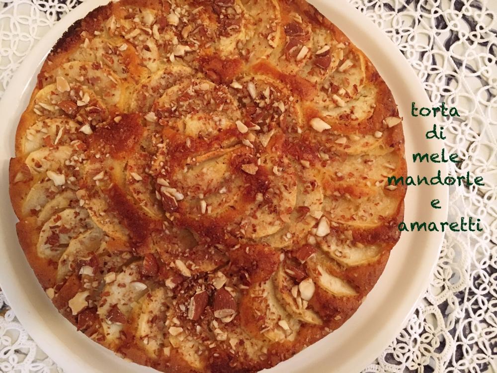 torta-di-mele-mandorle-e-amaretti