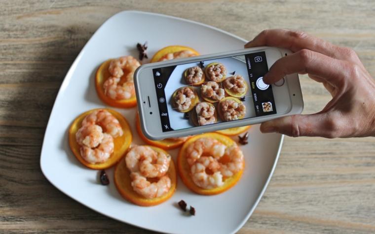 Code di gamberi su arance caramellate videoricetta