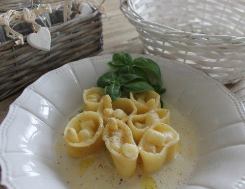 Paccheri con asparagi bianchi e crema di parmigiano