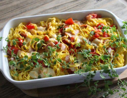 Pasta al forno con pomodorini, mozzarella e pesce spada affumicato