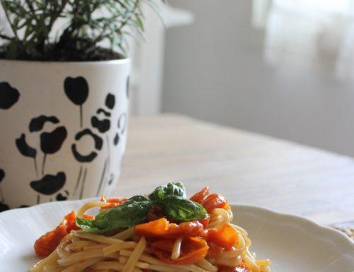 Linguine pomodoro, basilico e cannella