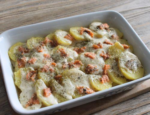 Patate e salmone al forno