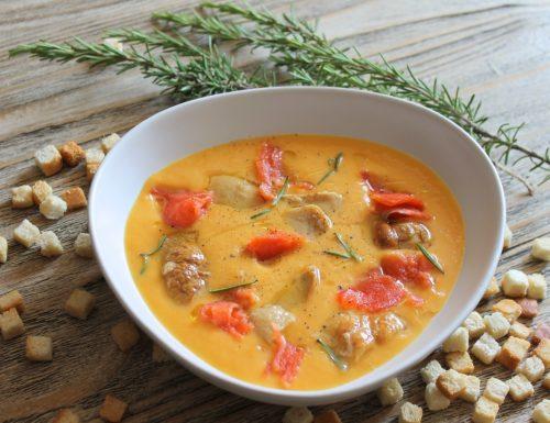 Crema di zucca e carote con porcini e salmone