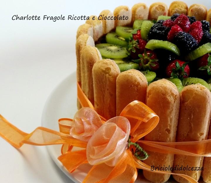 Charlotte Fragole Ricotta e Cioccolato