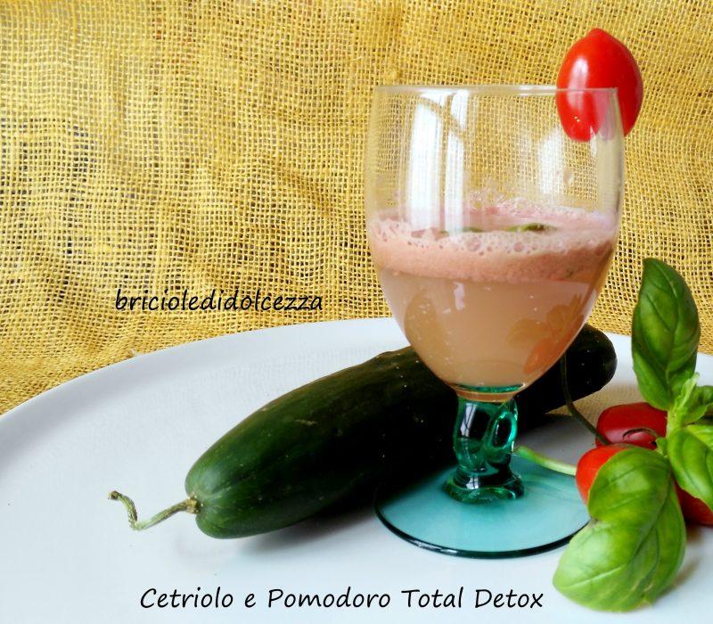 Cetriolo e Pomodoro Succo Total Detox