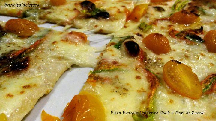 Pizza Provola Datterini Gialli e Fiori di Zucca