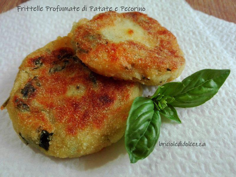 Frittelle Profumate di Patate e Pecorino