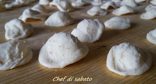 Orecchiette fatte in casa ricetta ed ingredienti dei for Cose fatte in casa