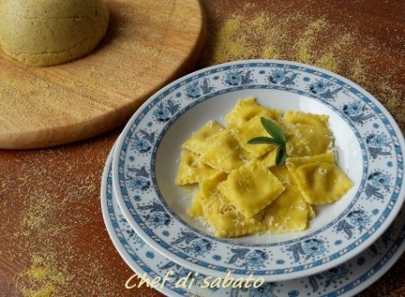 Ravioli ripieni di polenta e gorgonzola
