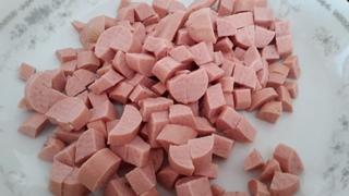 Risotto wurstel e carote in padella