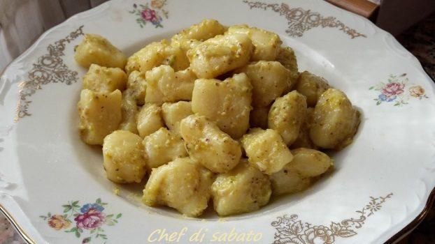 Gnocchi di patate con pesto di pistacchi