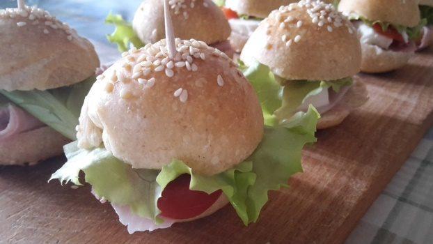Mini sandwich con lievito naturale
