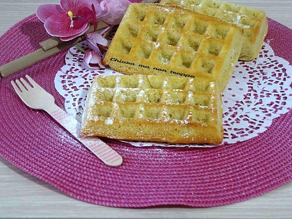 Waffle Ricetta Veloce Senza Burro.Waffle Morbidi Senza Burro Chiara Ma Non Troppo