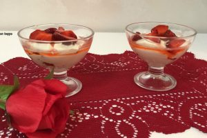 Dessert alle fragole e mascarpone
