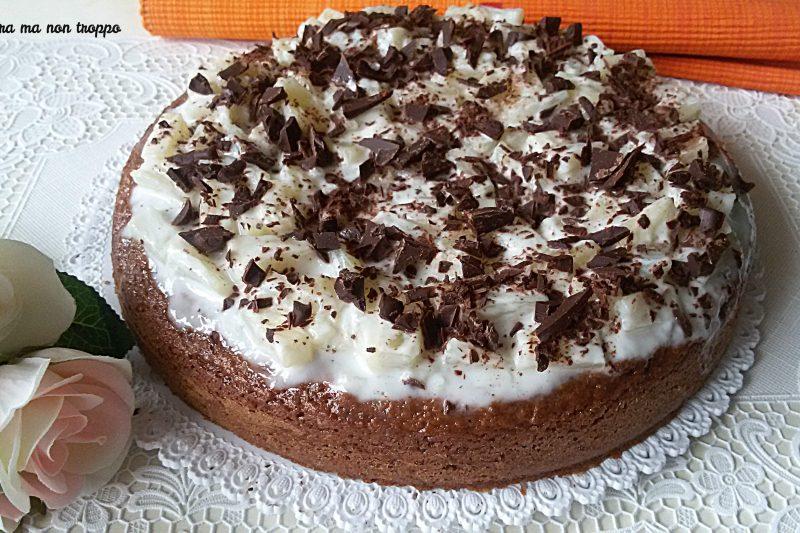 Torta con yogurt ananas e cioccolato
