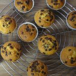 Muffin banana e gocce di cioccolato