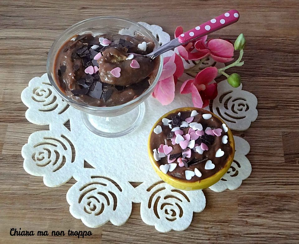 Coppette con savoiardi e crema alla Nutella