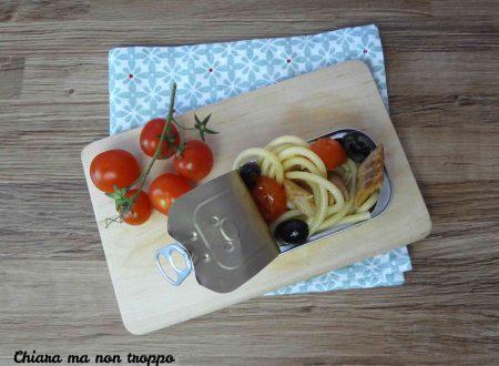 Spaghetti con sgombro e olive