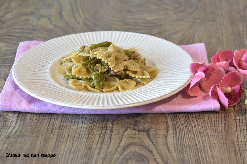 Pasta integrale asparagi e salsiccia