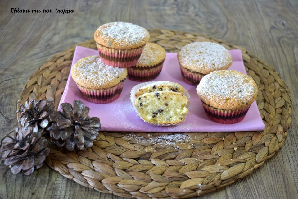 Muffin panna e gocce di cioccolato