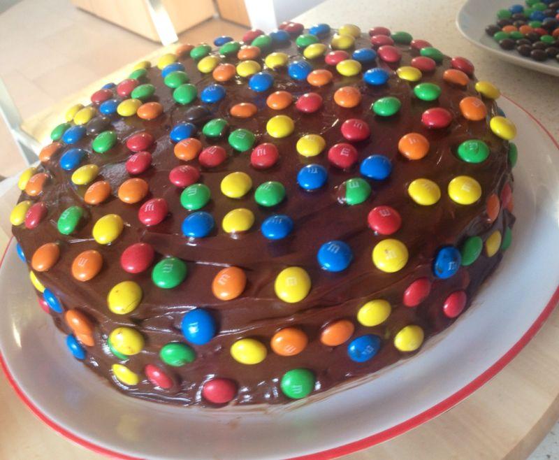 Torta Con Pasta Di Zucchero E Smarties Ricette Popolari