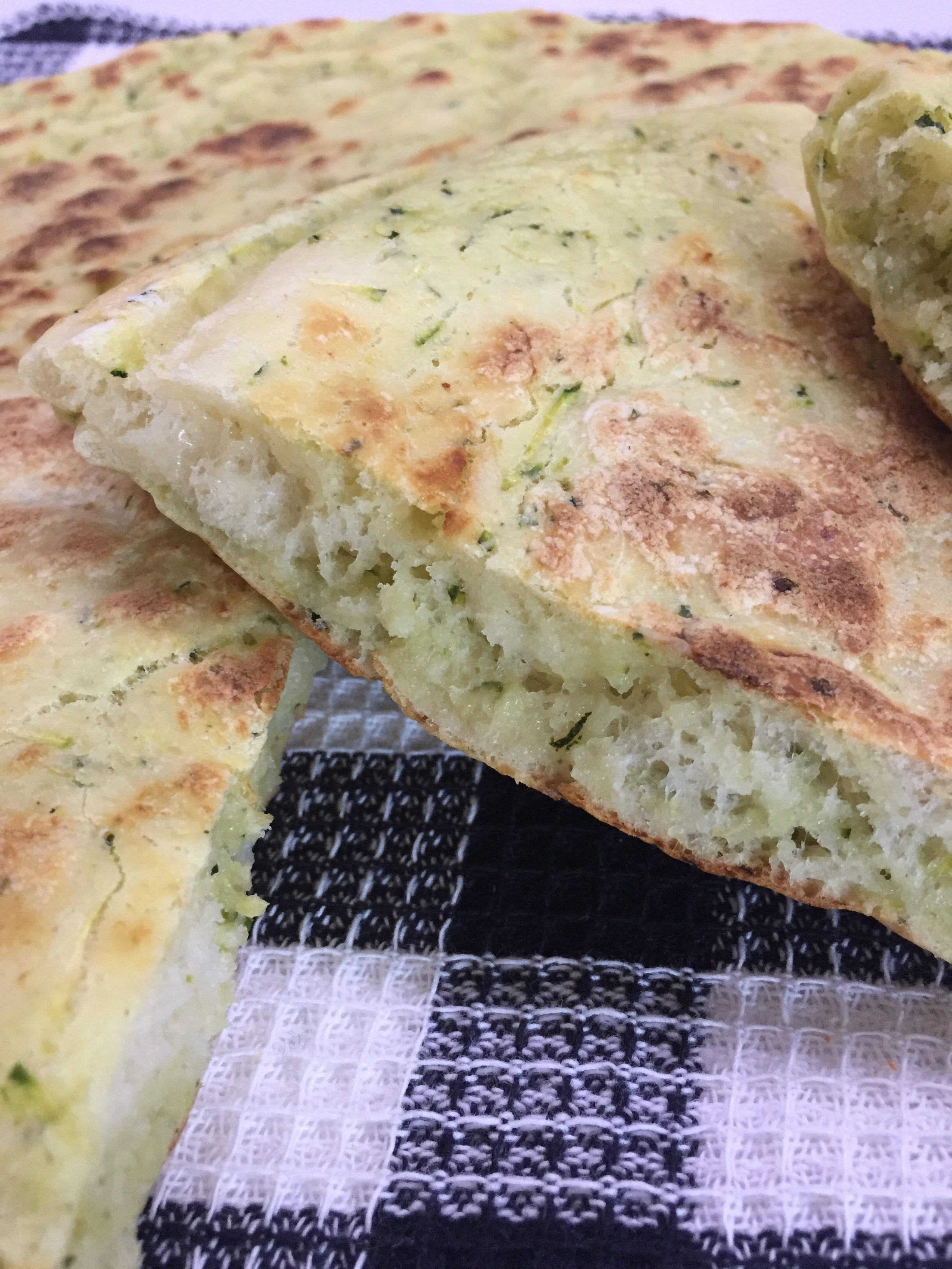 Schiacciata di zucchine in padella blog di cucinachepassione for Cucinare zucchine in padella