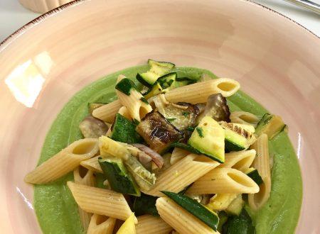 Pesto di zucchine con verdure grigliate