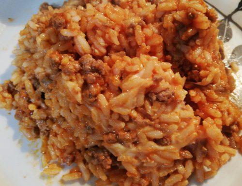 Risotto integrale al forno con pomodoro e mozzarella