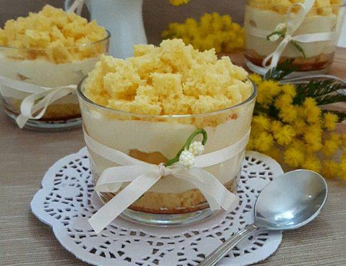 Dessert mimosa al cucchiaio