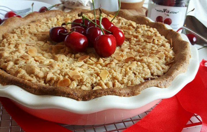 Cherry&Ricotta Crumble Pie