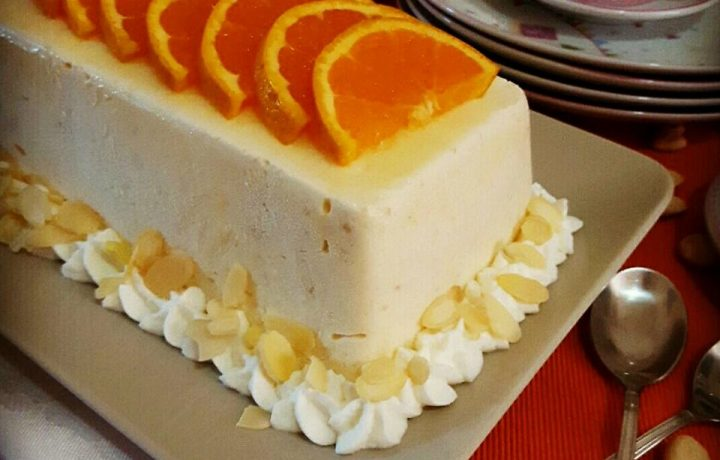 Semifreddo all'arancia e mandorle