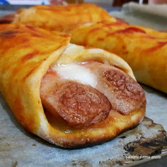Ricetta Wurstel Pomodoro E Mozzarella.Fagottini Ai Wurstel Con Pomodoro E Mozzarella Cucinare E Come Amare