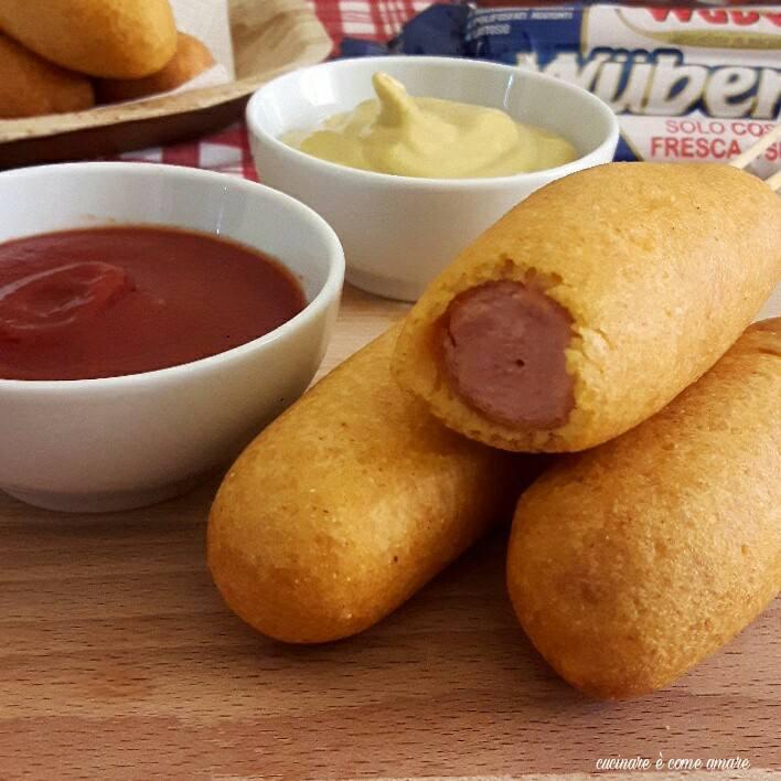 Corn dogs wurstel in pastella cucinare come amare for Cucinare hot dog