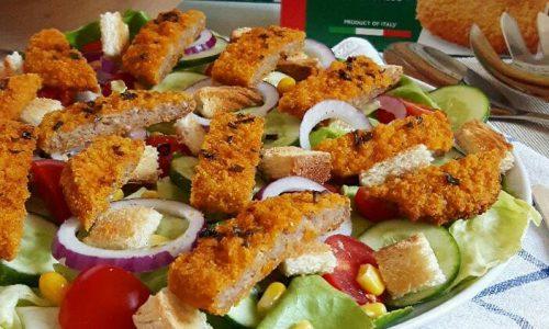 Caesar salad insalata con cotoletta