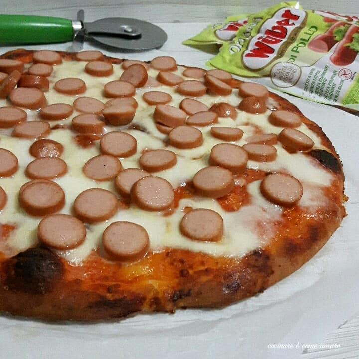 Pizza in teglia con wurstel cucinare come amare for Cucinare wurstel