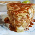 Apple cheesecake pie with caramel sauce
