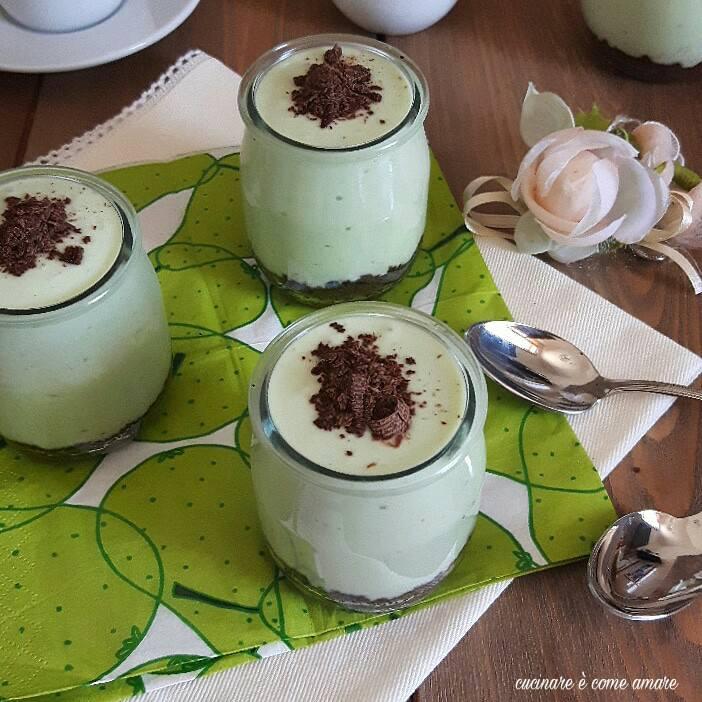 crema cheesecake alla menta con yogurt