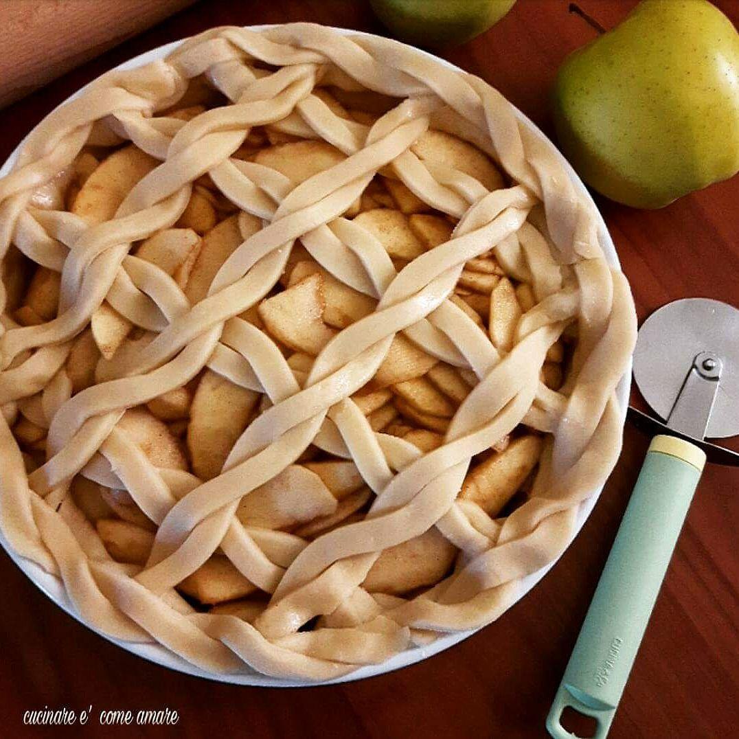 crostata con mele e pasta frolla senza uova