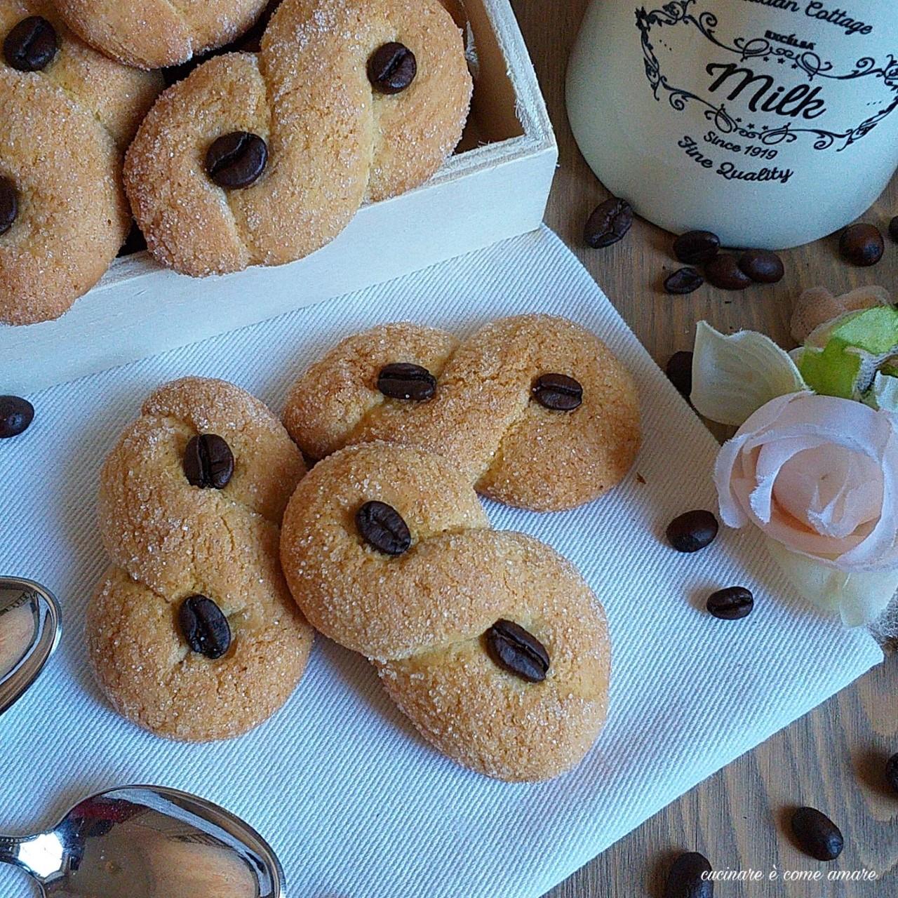 biscotto intreccio al caffè
