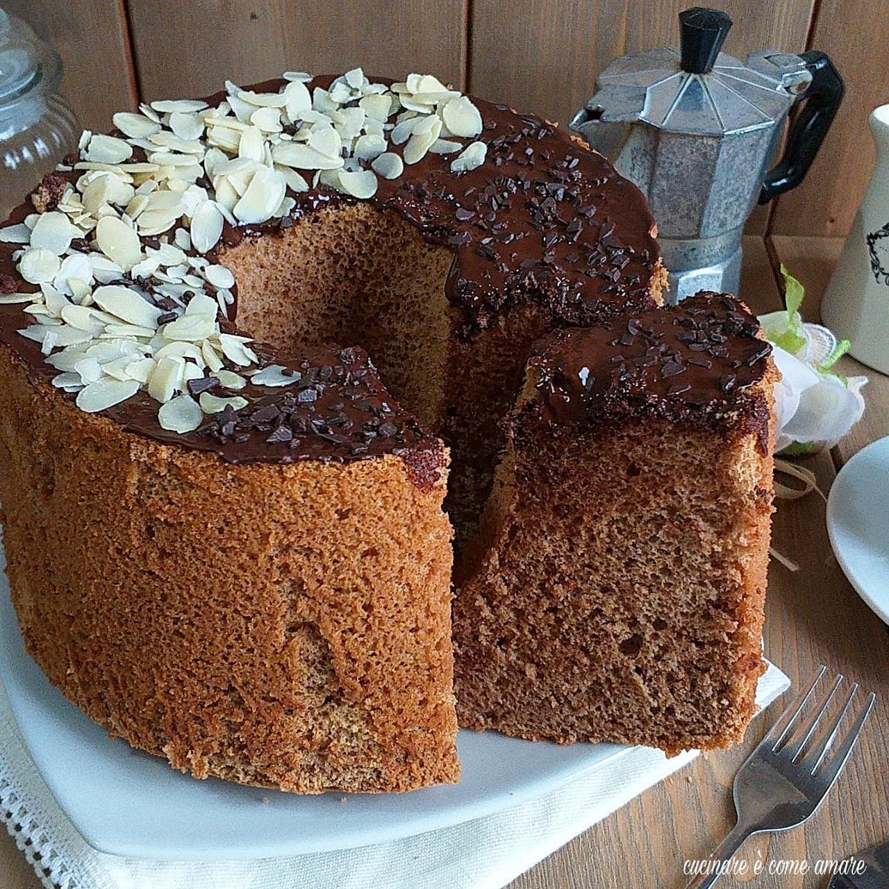 torta fluffosa caffè e mandorla