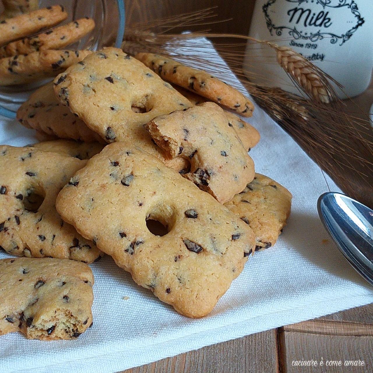 biscotto all'olio con pezzi di cioccolato