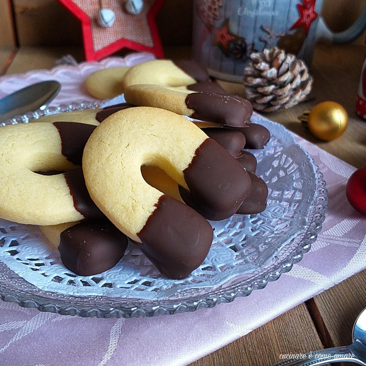 biscotto ferro di cavallo al cioccolato