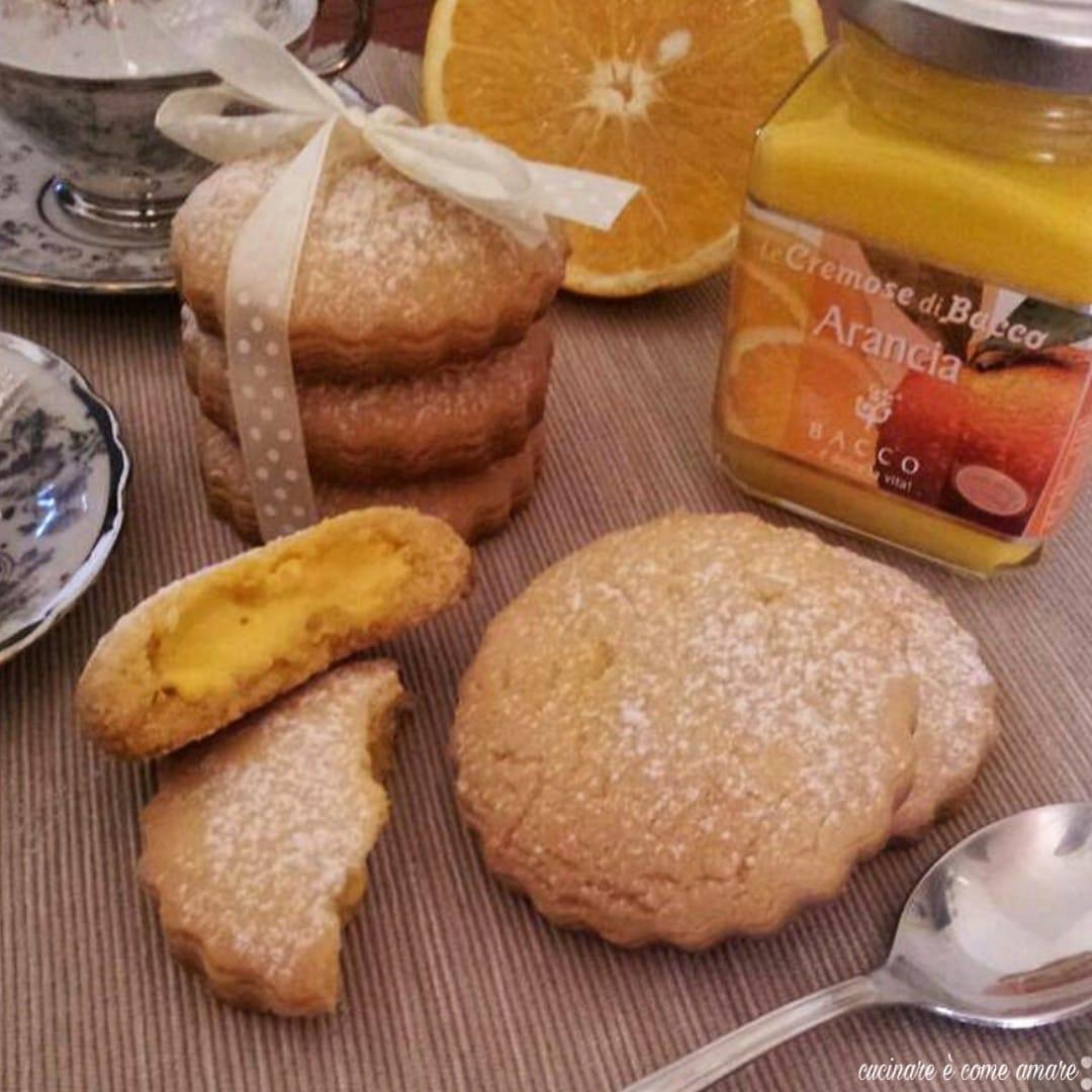 biscotto ripieno all'arancia con crema