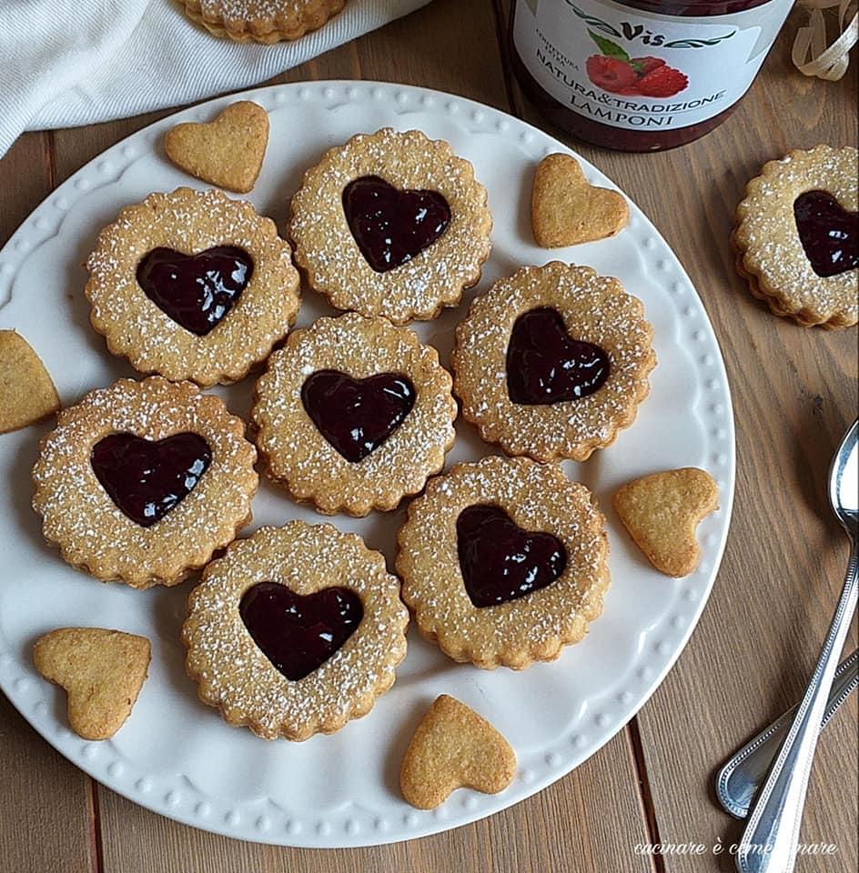 biscotto ripieno integrale alla marmellata