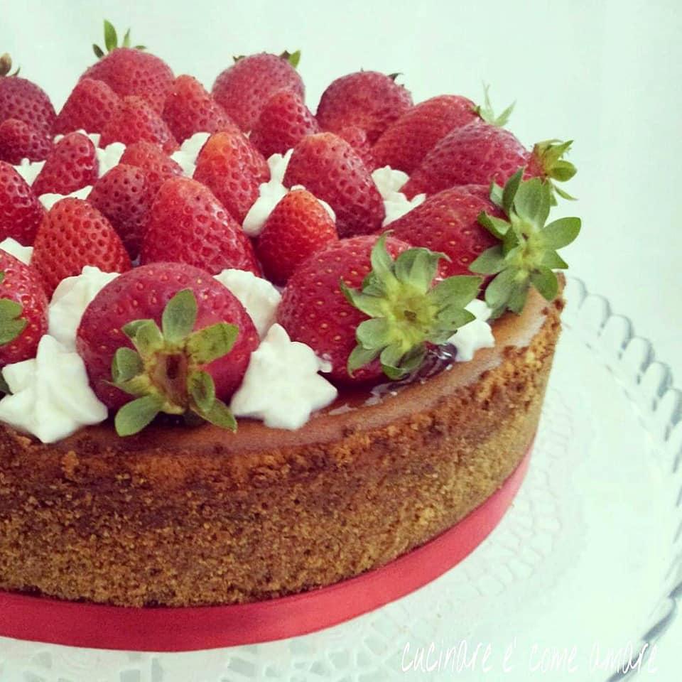 cheesecake dolce torta ricotta fragole