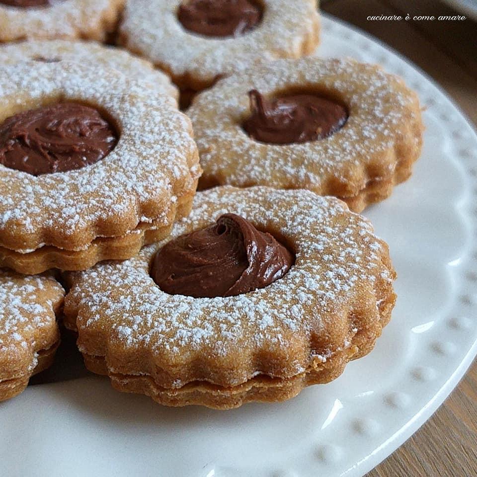 biscotto friabile ripieno caffe' nutella